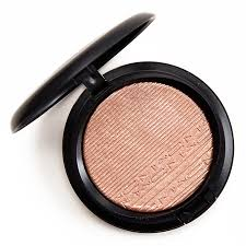 <b>MAC Superb</b> Extra Dimension Skinfinish Review & Swatches