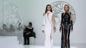Versace Sells Minority Stake; Jessica Lange Fronts <b>Marc Jacobs</b> ...