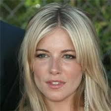 Sienna Miller receives £100,000 and an apology from News of the World Sienna Miller receives £100,000 and an apology from News of the - master.Sienna_Miller3