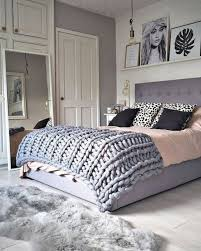 college bedroom decor home accessory tumblr blanket chunky knit home decor home furniture furniture bedroom tumblr