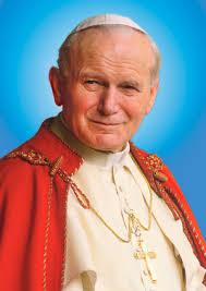 Hace 9 años, el Papa Juan Pablo II, fallecía en olor de santidad a las 21.37 h. en su apartamento privado. Pocos minutos antes, a las 20 h, en la habitación ... - juan-pablo-ii