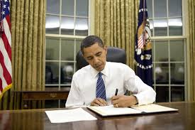 president obama signs emergency measures for arkansas and kentucky barack obama oval office