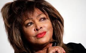 Wie sie in einem Interview mit dem deutschen TV-Sender RTL sagte, habe ihr ihr langjähriger Partner Erwin Bach zwar ... - 249438