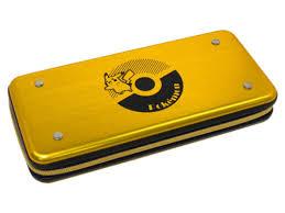 <b>Чехол Hori Premium</b> Vault Case Pikachu NSW-163U - НХМТ