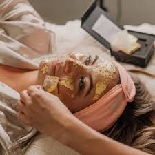 <b>24K Gold Facial</b> - Glow Saltash