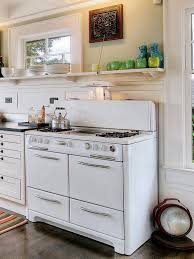 To Remodel Kitchen Remodeling Your Kitchen With Salvaged Items Diy