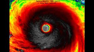 Resultado de imagen para Captan el ojo del poderoso huracán Soudelor aproximándose a Taiwán