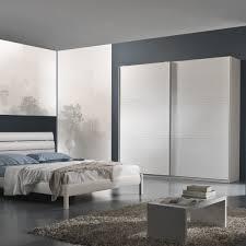 Camera Da Letto Verde Mela : Camera da letto moderna con armadio ante scorrevoli fiores mobili