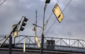 Пятница, 13-е по-московски: фото последствий ураганного ветра