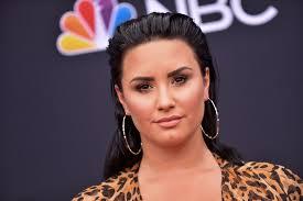 3 Times Demi Lovato Leaned On Faith During Addiction Struggles ...