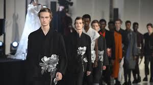 Онлайн-бутик Valentino: <b>одежда</b> и аксессуары | Valentino.com