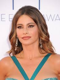 Sofia Vergara then - Sofia%2520Vergara%2520-%25202012%2520Emmy%2520Awards-09-560x742