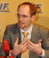Das Nachrichtenmagazin NEWS veröffentlicht in seiner aktuellen Ausgabe ein Interview mit Florian Schweitzer, einst Landesgeschäftsführer des Liberalen ... - interview-kronzeugen-lif-skandals-ex-funktionaer-zach-affaere-220147_i