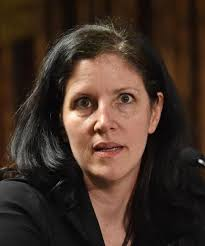 Laura Poitras speaks after accepting Long Island University's George Polk Award for National Security Reporting April 11, 2014 in New York - 622392b72b285e7142b5042606d7a93386c52abc