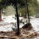 Heftige Gewitter setzen Straßen und Keller unter Wasser