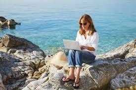 The   Best Types of Internet Destinations for ESL Teaching Jobs     FluentU