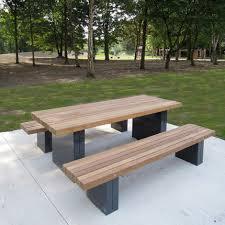 Tavolo Da Terrazzo In Legno : Tavolo da pic nic moderno in legno di latifoglie esterno
