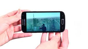 Samsung Galaxy S4 mini <b>Black Edition</b> - новая <b>крышка</b>, строгие обои
