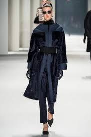 <b>Moncler Gamme Rouge</b> в 2019 г. | <b>Пальто</b> | Каракули, Мех и ...