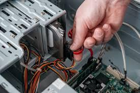 What Is the Difference between <b>SATA</b> and <b>ATA</b> (<b>PATA</b>) Hard Drives?