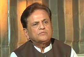 """Ahmedabad: Congress general secretary and Sonia Gandhi's political advisor Ahmed Patel has said he finds """"no difference between Sonia Gandhi and Rahul ... - ahmed-patel-interview-295"""