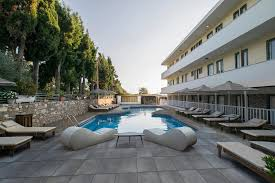 Отель <b>Sunny Days</b> (Греция Тигаки) - Booking.com