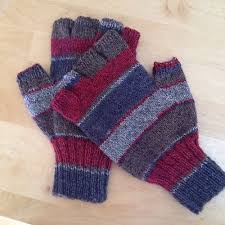 Simple stockinette <b>gloves</b> with <b>half fingers</b> to fit a <b>man's</b> small hand ...