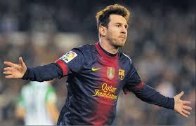 Lionel Messi con la sua tripletta fa volare il Barcellona