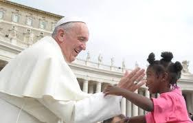 Resultado de imagem para Papa Francisco Apela a Todas as Paróquias Para Acolherem uma Família de Refugiados