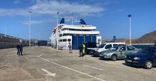Passageiros que desembarcaram esta manhã no Porto Santo seguem para quarentena