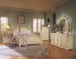 vintage bedroom furniture fantastic in bedroom decorating ideas with vintage bedroom furniture home decoration ideas antique furniture decorating ideas