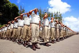 Resultado de imagem para Policiais e bombeiros militares anunciaram a suspensão das atividades nesta terça-feira(04),