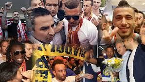 Türkiye'de çılgınca karşılanan futbolcular