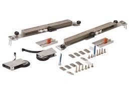 Комлект <b>роликов с доводчиком</b> (на одну дверь, L+R части) FIRMAX