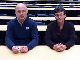 likely not effective for developing problem solving skills in students ubc s andis klegeris left and heather hurren have found that traditional university lectures don t help students problem solving credit ubc