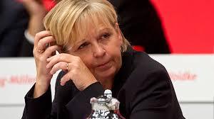 Paukenschlag bei der SPD: Die nordrhein-westfälische Ministerpräsidentin Hannelore Kraft schließt eine Kanzlerkandidatur ... - nrw-ministerpraesidentin-hannelore-kraft