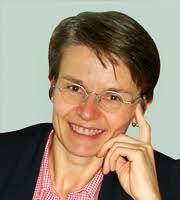 Née le 12 avril 1963 à Lausanne, originaire de La Praz, Anne-Catherine Lyon a suivi sa scolarité, puis ses études, dans la capitale vaudoise. - ACL1