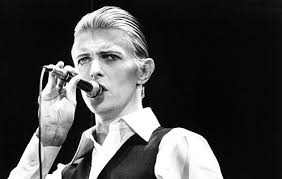 l'immense David Bowie est décédé après avoir publié son ultime chef-d'oeuvre, ★ (Blackstar)  Images?q=tbn:ANd9GcTeTTNFQOytPz2C-CsVENYP8bXNh9_Fd_7NpwZB8z3XLXbDQexS