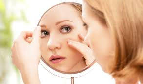 how to look good without makeup if you are planning to spend the day at home try go sans makeup give your