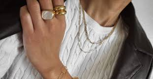 5 New <b>Jewelry Trends</b>—and 5 We're Hardly Wearing Anymore ...