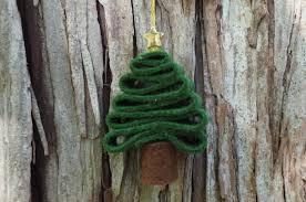 Super simple <b>felt Christmas tree</b> ornament kids can make | Sew a ...