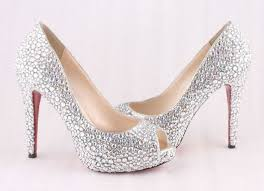 احذية عرايس  بيضاء images?q=tbn:ANd9GcT