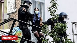Berlin Liebig 34 <b>squat</b>: German police evict dozens - BBC News
