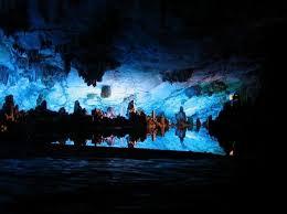 """Résultat de recherche d'images pour """"grotte avec stalactites et stalagmites"""""""