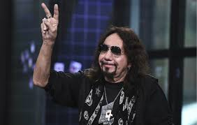 "<b>Kiss</b>' <b>Ace Frehley</b>: ""Donald Trump is the strongest leader we've got"""