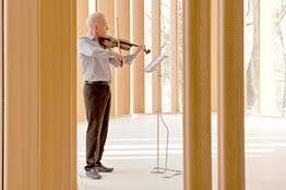 James Stewart tocando violino