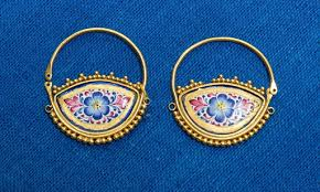 <b>Golden earring</b> as a Azerbaijan National female jewellery item ...