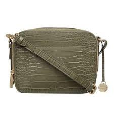 <b>Handbags</b>