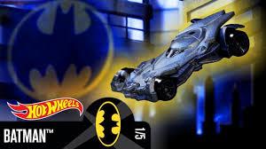 Бэтмен <b>Hot Wheels</b> борется с преступностью в <b>Готэм</b>-<b>Сити</b> | Hot ...