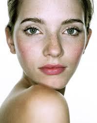 Photographed by Caroline Molloy/My signature look/Model Karen - Karen-500x636